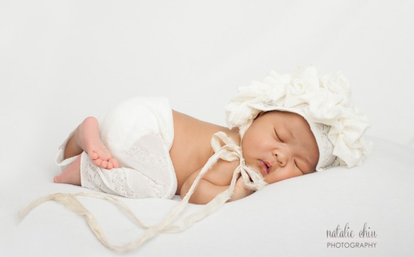 A Modern, Clean, Yet Fuzzy Newborn Photo Shoot – North York, Toronto Photography