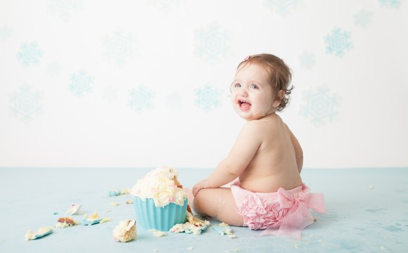 A Frozen Winter Wonderland Cake Smash – North York, Toronto, Photography, Photographer