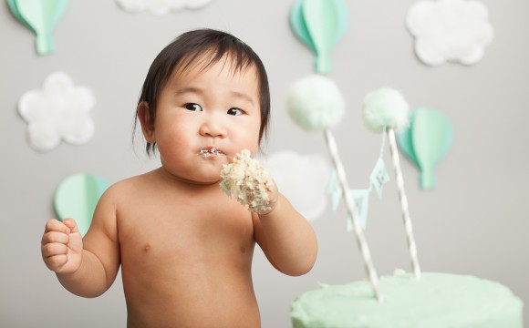 Baby Hot Air Balloon Cake Smash Photography – North York, Toronto